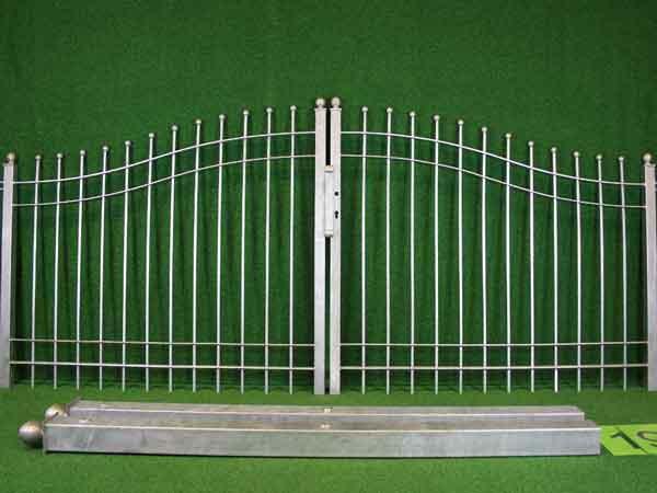 Gartentor Angebot 51 in massiver Stahlbauweise - Breite: 287cm, Höhe: 118cm