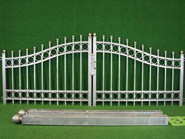 Metalltor Angebot 141-3 in massiver Stahlbauweise - Breite: 295cm, Höhe: 88cm